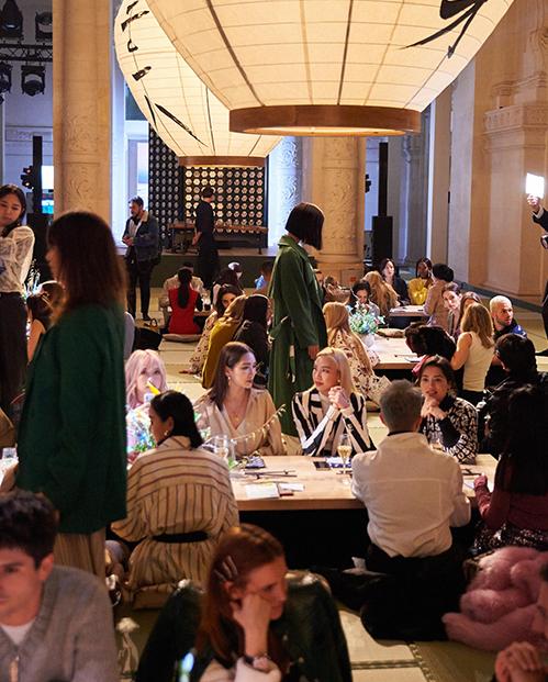 Châu Bùi, Kelbin Lei nổi bật giữa dàn fashionista thế giới ở Paris - 8