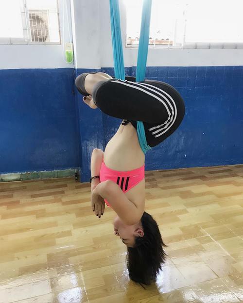 Sao Việt khoe dáng không mỡ thừa với những tư thế yoga đỉnh như làm xiếc - 6