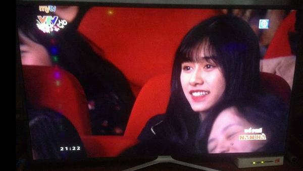 3 girl xinh bỗng dưng nổi tiếng sau một khoảnh khắc - 2
