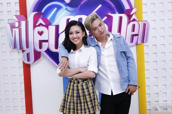 Bảo Kun - Quỳnh Nga hạnh phúc sau chương trình.