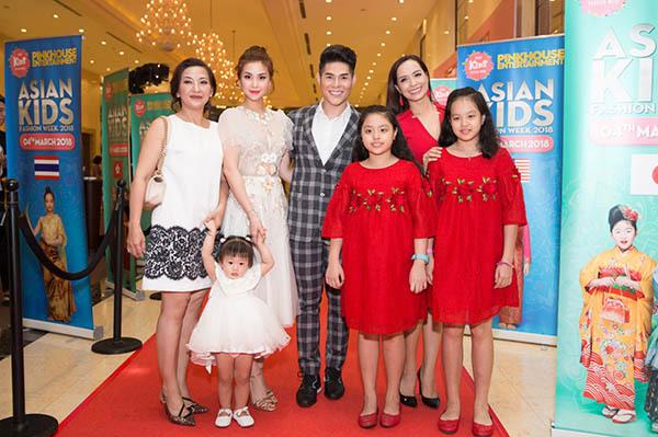 Loạt sao Việt dẫn con cưng lên thảm đỏ - 6