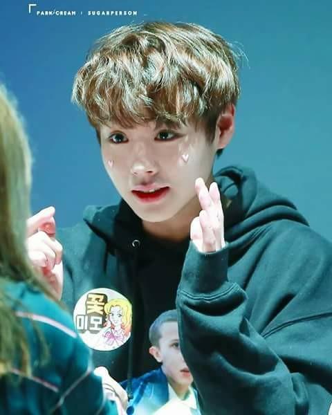 5 idol sở hữu đôi mắt được mơ ước nhất Hàn Quốc - 2