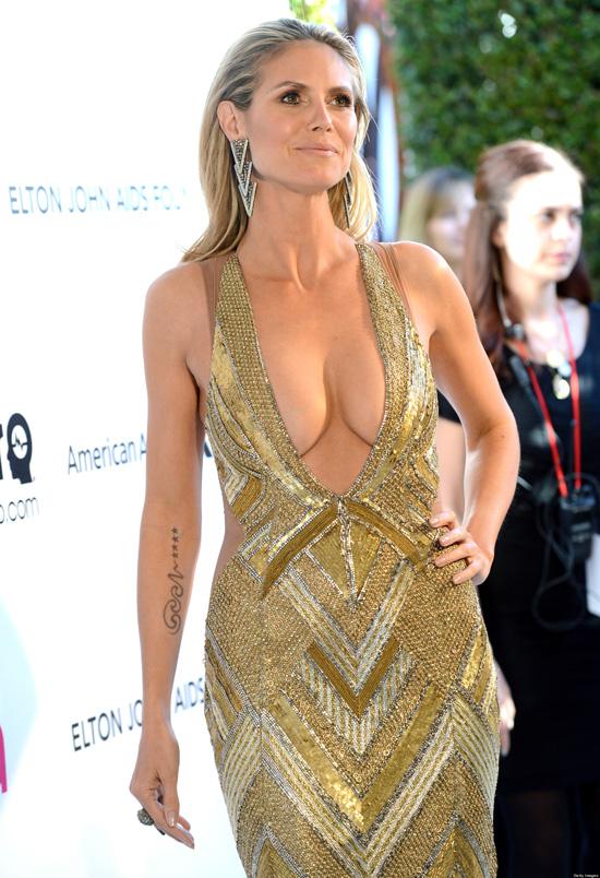 Những bộ váy hở hang gây sốc nhất lịch sử giải Oscar - 9