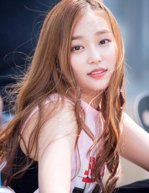 Nữ idol đắn đo một tháng mới cắt tóc và nhận được kết quả bất ngờ - 1