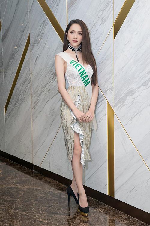 Hương Giang diện toàn đồ thiết kế trong nước vẫn đẳng cấp ở Hoa hậu chuyển giới - 3