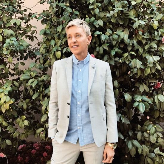 Ellen Degeneres - Người dẫn chương trìnhLGBT đầu tiên xuất hiện trên các Talks show hàng đầu của Mỹ.