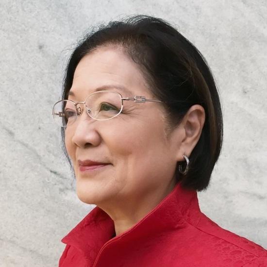 Mazie Hirono - Người phụ nữ Mỹ gốc Á đầu tiên được bầu vào Thượng viện Mỹ.