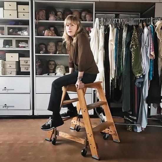 Cindy Sherman - Người phụ nữ đầu tiên dùng 1 triệu USD để mua đồ nhiếp ảnh.