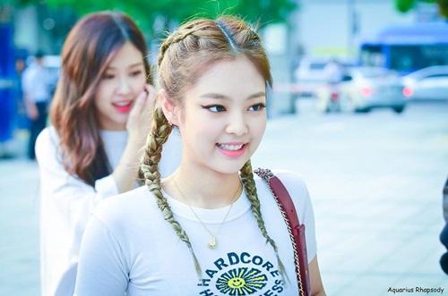 Những style buộc tóc vừa cute, vừa ngầu của Jennie (Black Pink) - 8