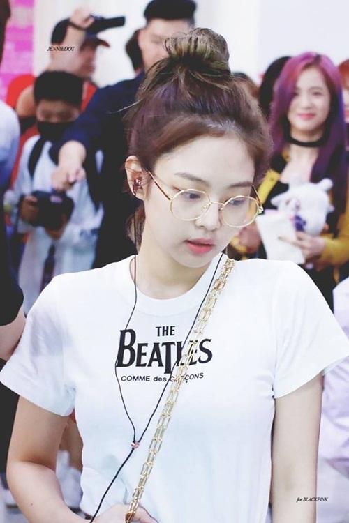 Những style buộc tóc vừa cute, vừa ngầu của Jennie (Black Pink) - 4