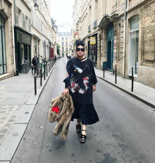 Tự tin mặc những gì mình thích là bí quyết tạo nên phong cáchcủa nàng fashionista ngoại cỡ.