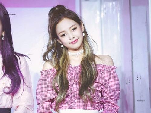 Những style buộc tóc vừa cute, vừa ngầu của Jennie (Black Pink) - 2