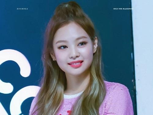 Những style buộc tóc vừa cute, vừa ngầu của Jennie (Black Pink) - 3