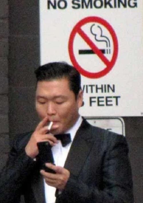 Các idol nam Kpop làm fan phiền lòng vì thói quen hút thuốc - 6