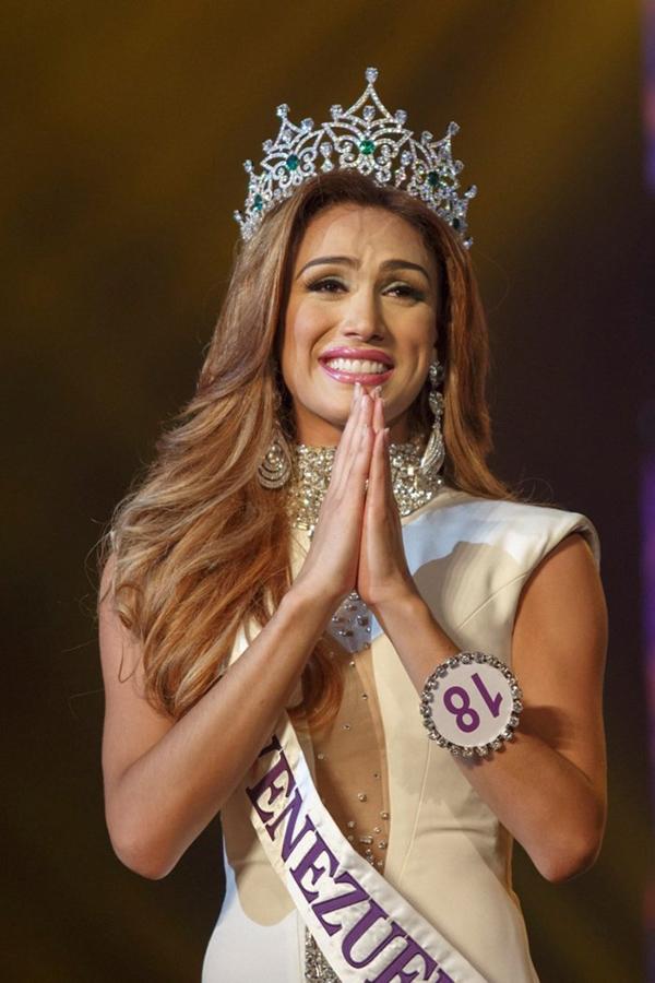 Nhan sắc 13 Hoa hậu chuyển giới quốc tế - 4