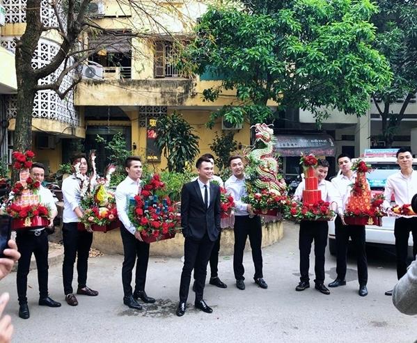 Dàn soái ca sơ mi trắng bê tráp trong đám hỏi của Khắc Việt - 7