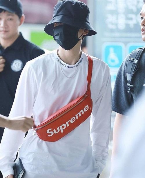 Loạt idol Hàn thể hiện phong cách với chiếc túi hot nhất - 5