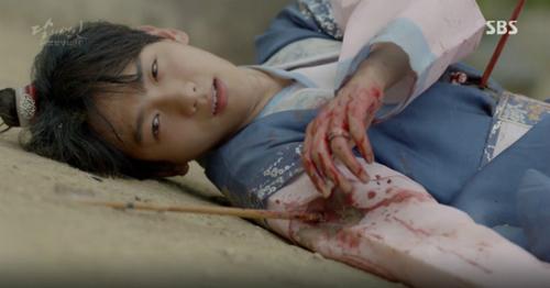 Những cái chết của idol Hàn trong phim khiến fan xót xa - 1