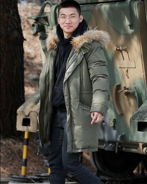 Dae Sung tự tin lộ mặt mộc, không cần che chắn trong ngày nhập ngũ - 2