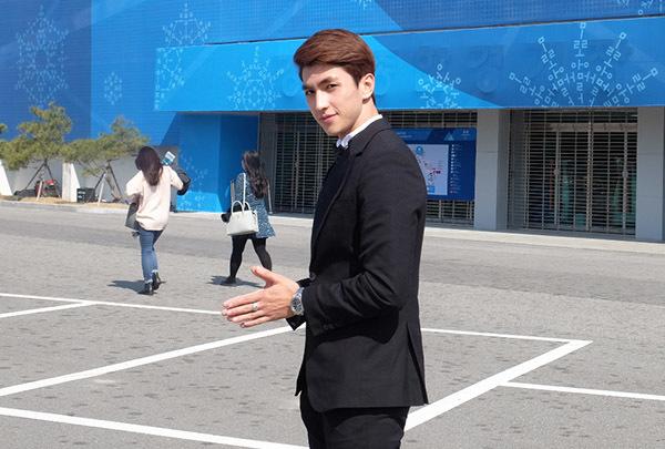 Văn Mai Hương, Bình An được fan Hàn xin chữ ký khi dự fan meeting Lee Dong Wook - 1