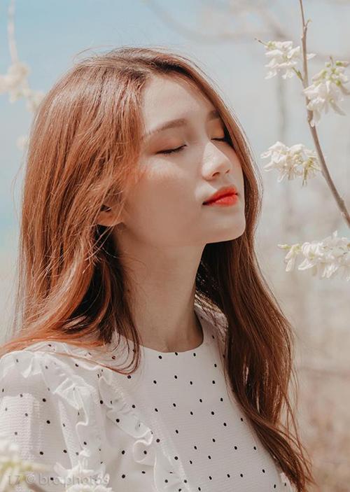 Mẫu teen xinh như gái Hàn gây sốt khi livestream bán quần áo online - 8