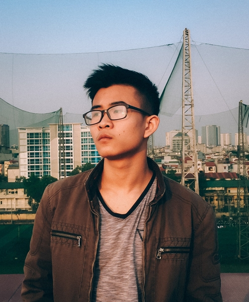 Nam sinh Thành Bảo.