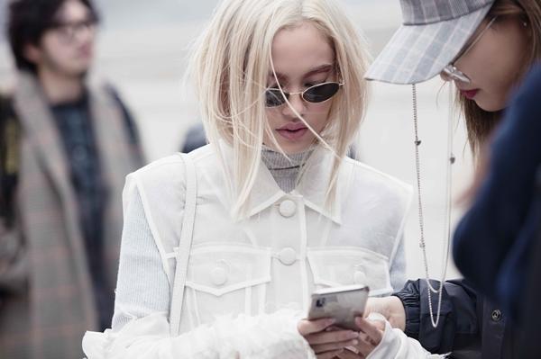 Fung La ma mị, cool ngầu tại Seoul Fashion Week 2018 - 4