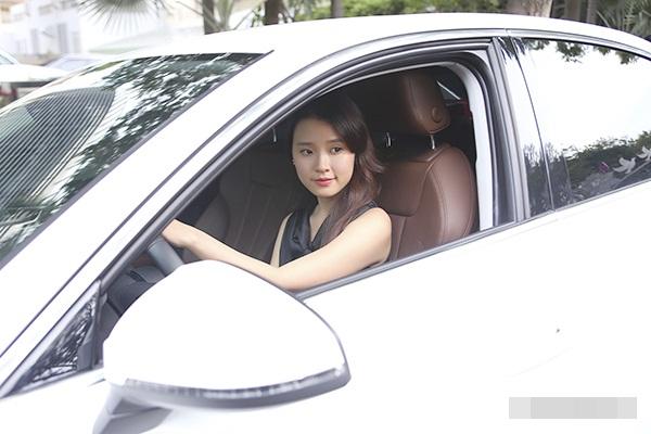 5 hot girl Việt tậu nhà, xế hộp sang khi còn rất trẻ - 1