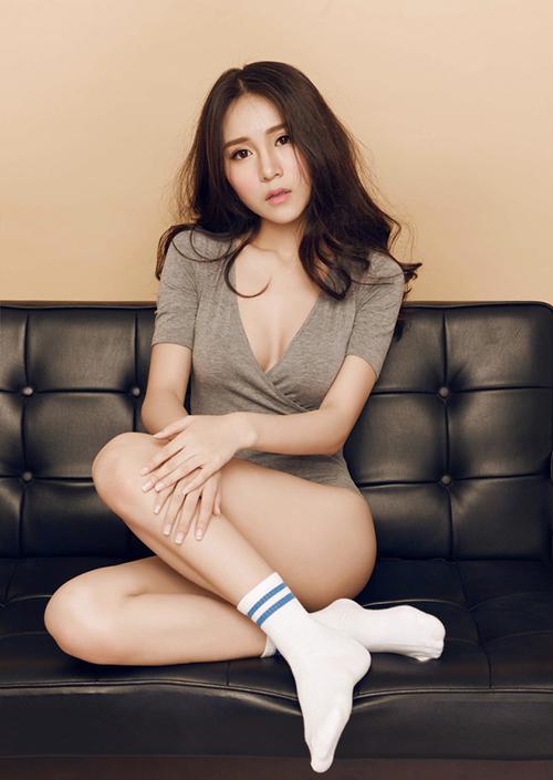 3 hot girl trà sữa Việt rũ bỏ ngây thơ lột xác sexy - 10