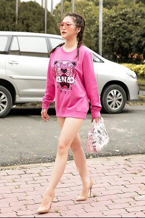 Những phen mặc quần như không khiến sao Việt bị chê lố - 3