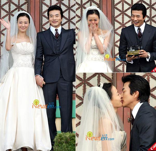 Cặp đôi diễn viên  hoa hậu hạnh phúc trong ngày cưới.