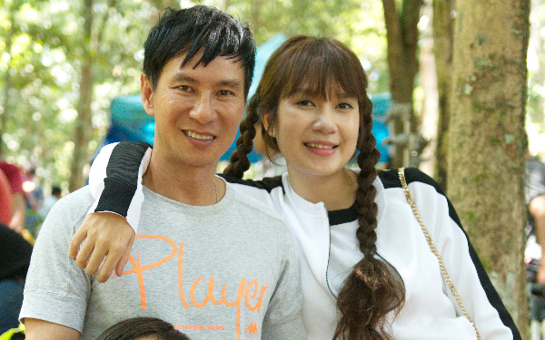 Minh Hà diện váy trẻ trung lên tận phim trường thăm Lý Hải - 5