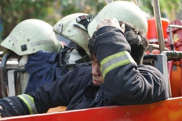 Hình ảnh đẹp của những người hùng trong vụ cháy chung cư Carina - page 2 - 2