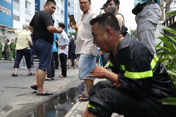 Dù bị thương khá nặng, anh Thanh vẫn nhất quyết ngồi tại hiện trường đám cháy, chờ đồng đội của mình hoàn thành nhiệm vụ an toàn, anh mới yên tâm đến bệnh viện cấp cứu. Hiện anh Thanh đang được điều trị tại bệnh viện Chợ Rẫy, TP. HCM.