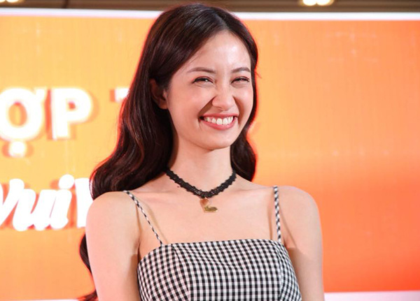Jun Vũ tự tin nhận mặt xinh, da đẹp trước hàng trăm fan - 1