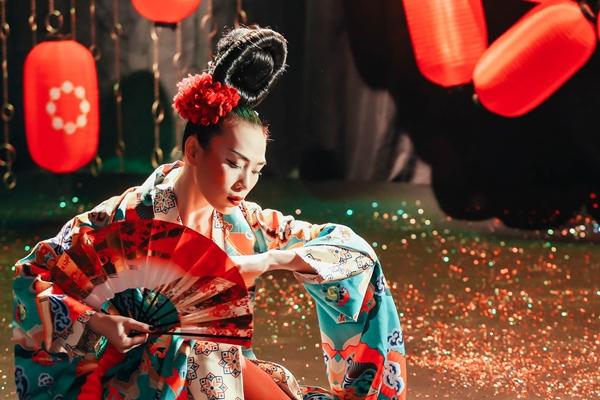 Mỹ Tâm lạ lẫm với hình tượng Geisha - 4