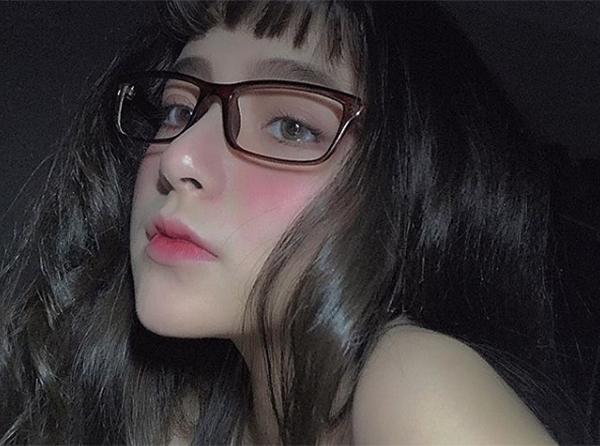 4 cô gái Việt xinh như Tây sành trang điểm, đáng để theo dõi ngay - 2