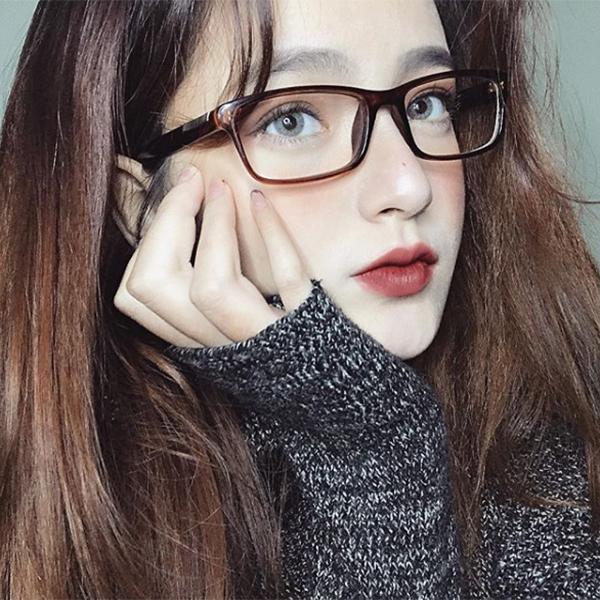 4 cô gái Việt xinh như Tây sành trang điểm, đáng để theo dõi ngay - 4