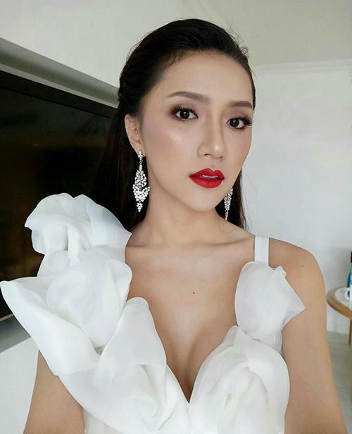 Hương Giang khác khó nhận ra khi vào tay chuyên gia makeup người Thái - 2