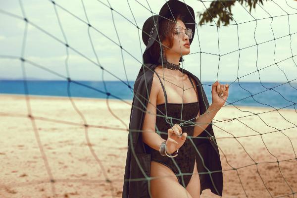 Phương Trinh Jolie thách thức mùa hè với bikini rực lửa - 6