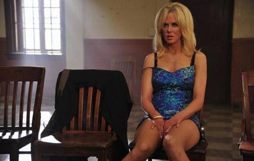 Nicole Kidman tái hiện cảnh xoạc chân của Bản năng gốc đầy tranh cãi