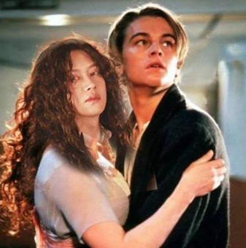 Hee Chul chơi lầy khi đăng ảnh ghép mình thành nàng Rose trong vòng tay Jack của Titanic.