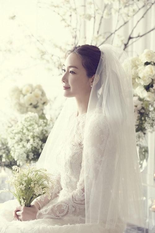 Lộ ảnh cưới hiếm hoi của mỹ nhân Choi Ji Woo - 2