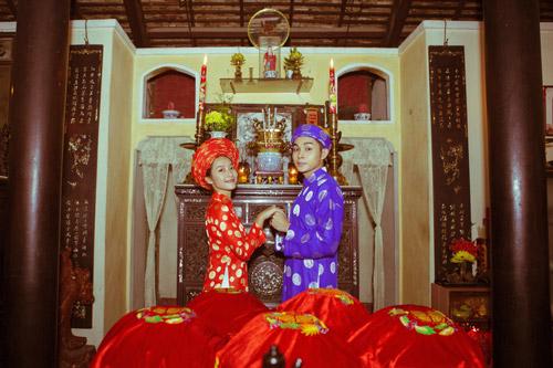 Ảnh cưới áo dài khăn đóng cộp mác Việt Nam