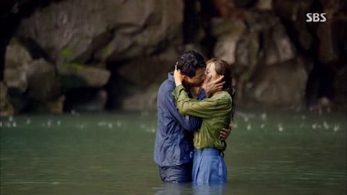 5 nụ hôn quá nóng bỏng trên màn ảnh Hàn Quốc - 2