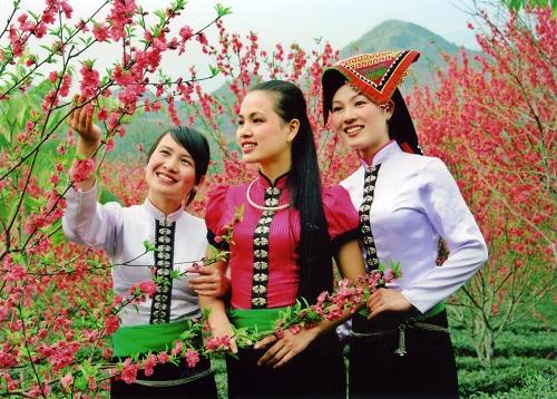 Quiz: Nhìn trang phục đoán tên các dân tộc của Việt Nam