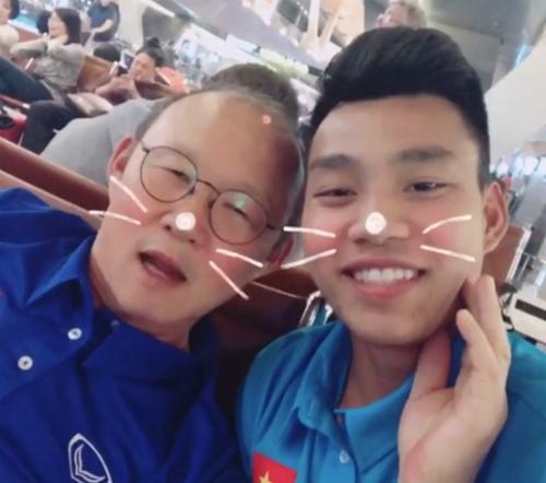 Vũ Văn Thanh dạy thầy Park Hang-seo nói tiếng Việt bá đạo