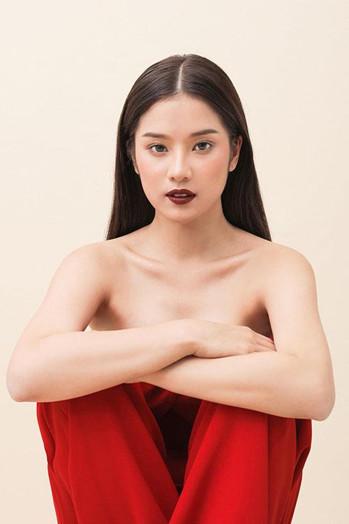 Hoàng Yến Chibi bán nude táo bạo, rũ bỏ vẻ ngây ngô