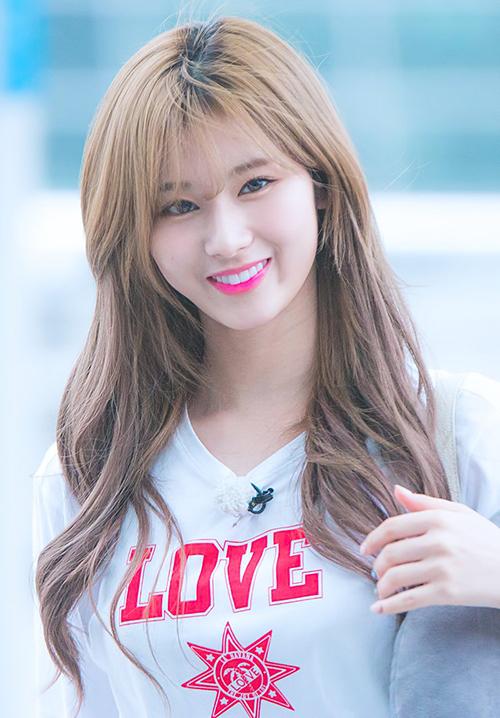 10 màu tóc ấn tượng nhất của Sana (Twice) từ khi debut - 1