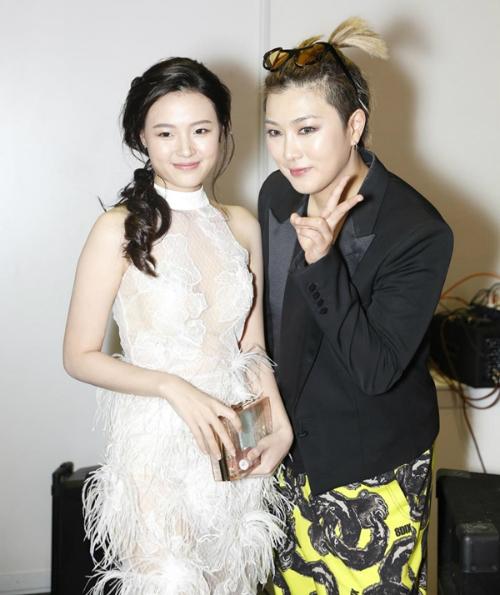 Sao Việt bị hại nhan sắc khi chuyên gia nước ngoài makeup kiểu Hàn, Thái - 8
